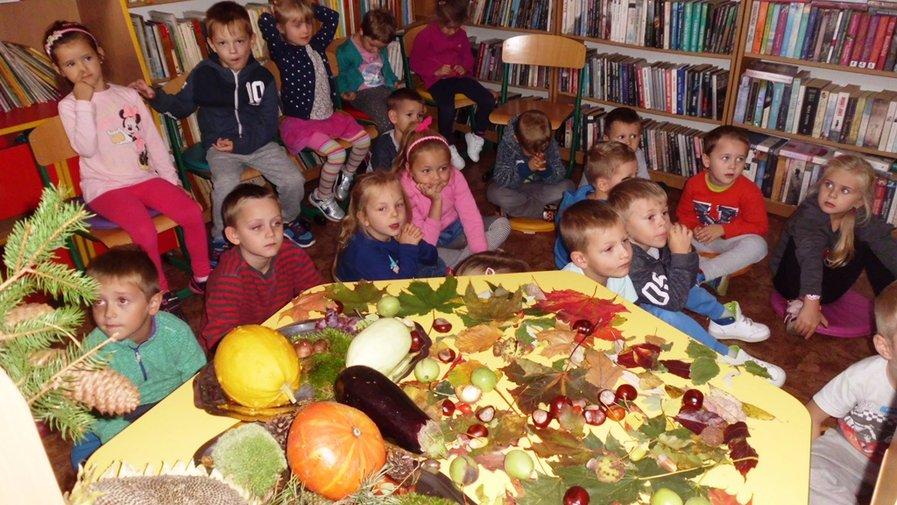 Jesień w parku, w lesie i w bibliotece